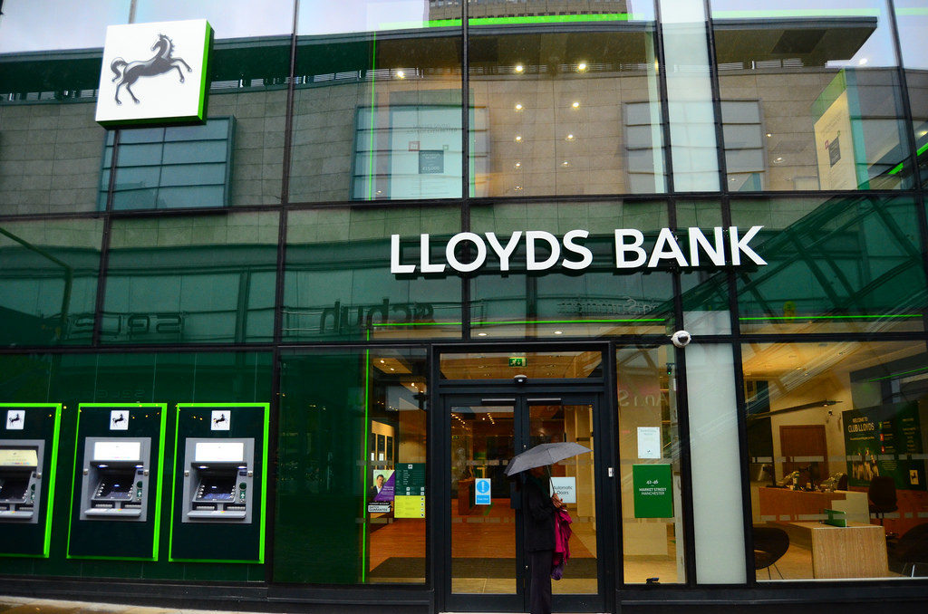 Technology Management Image: Lloyds Bank's £1.75BN Bet On The Future Of Banking