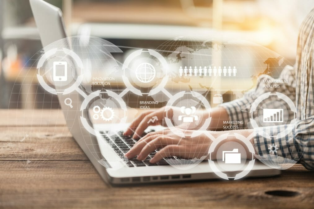 How CIOs and CTOs should move from multichannel to channel-less CRM