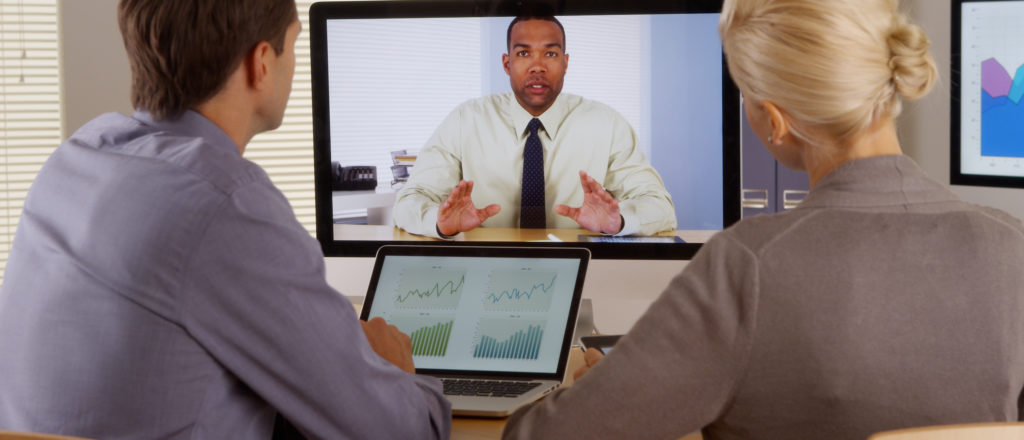 5 steps to choosing the right video conferencing tools image