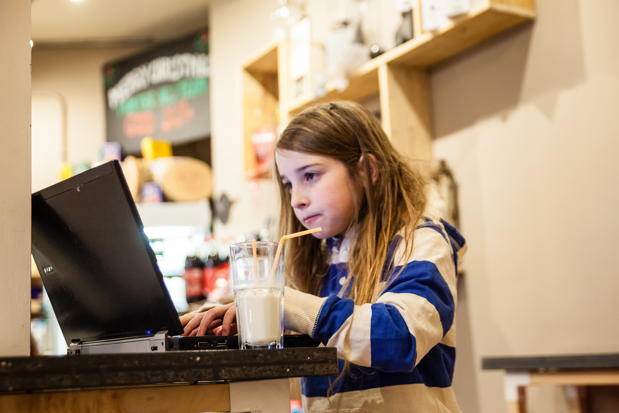 How a 7-year-old girl hacked a public Wi-Fi network in 10